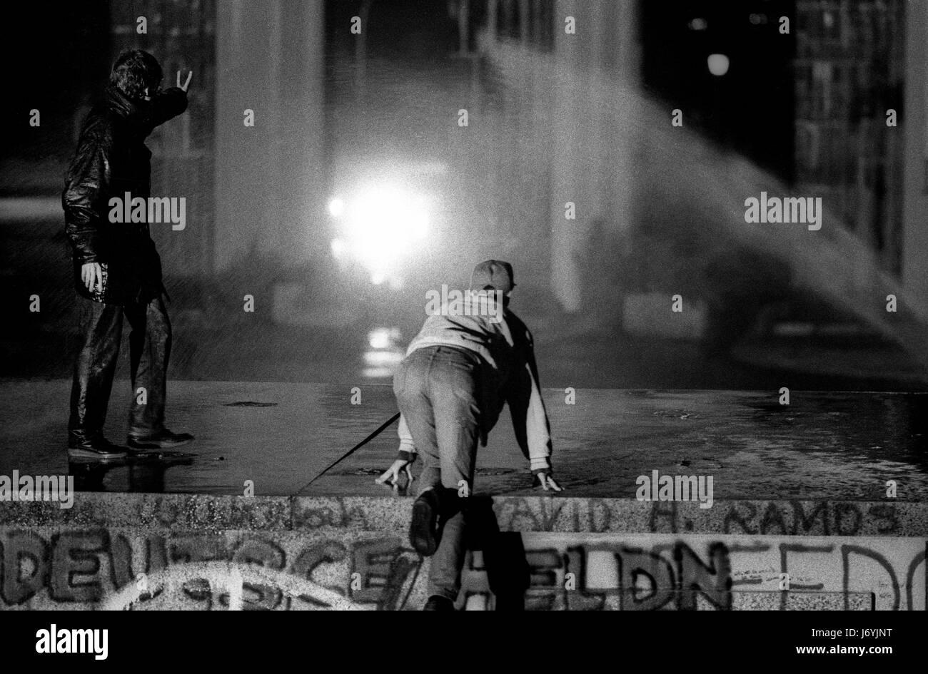 Berlin, Deutschland-fotografiert an den Tagen vor dem Fall der Berliner Mauer einschließlich der Nacht von Stockbild
