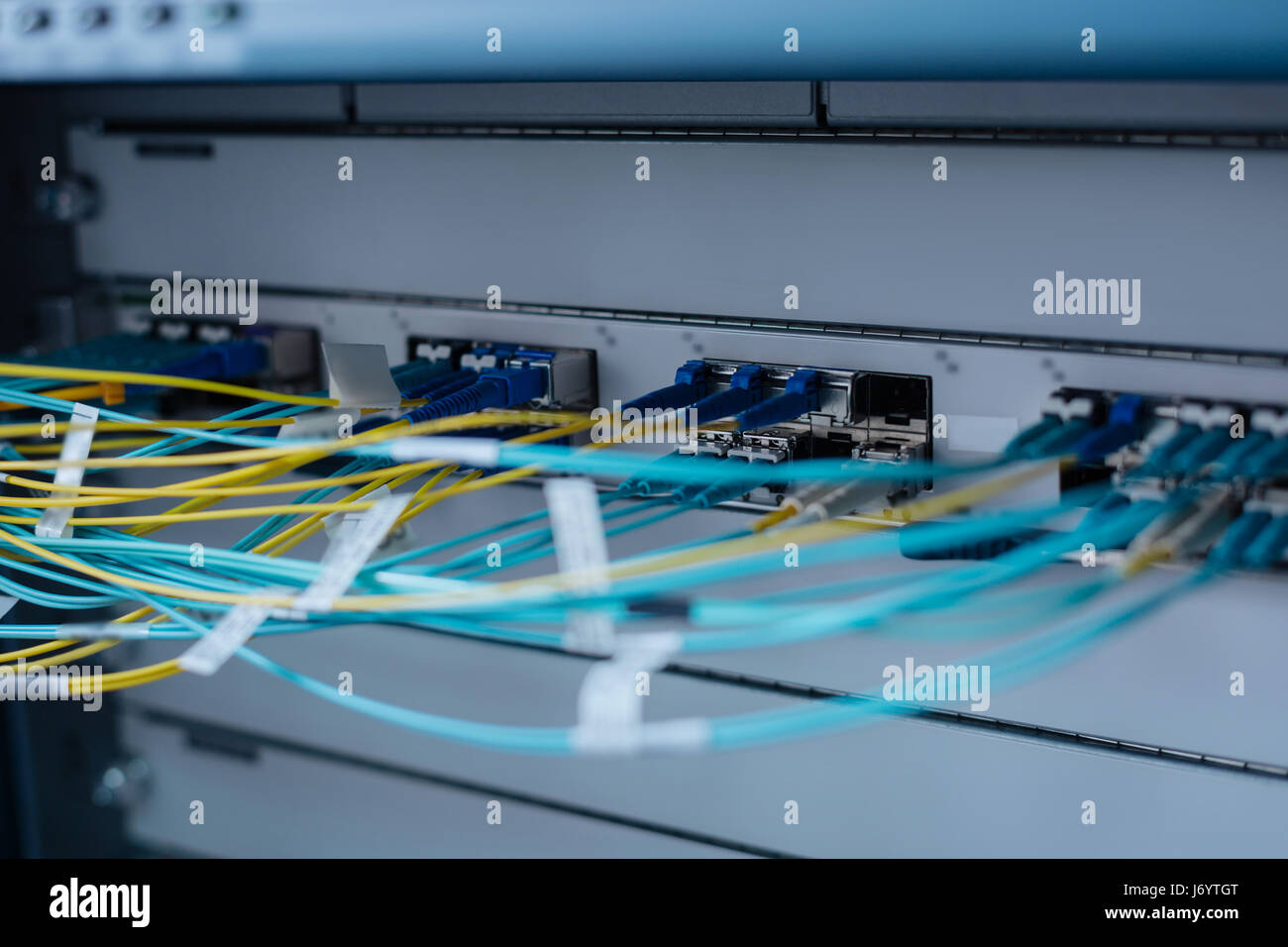 network switch ethernet cables stockfotos network switch ethernet cables bilder alamy. Black Bedroom Furniture Sets. Home Design Ideas