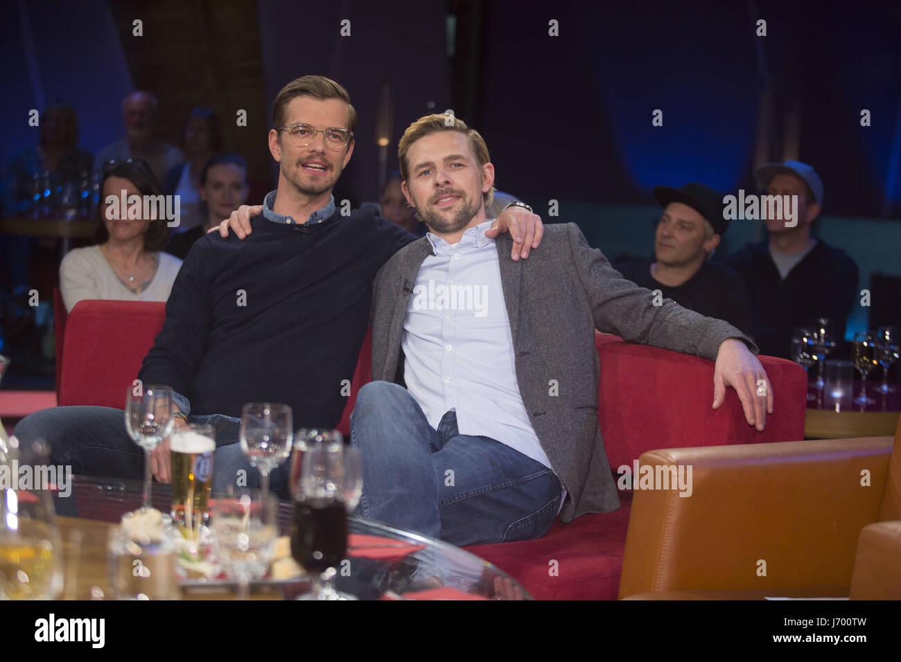 Deutsche ndr tv talkshow ndr talkshow im ndr studio mit joko winterscheidt klaas heufer umlauf for Moderatoren ndr talkshow
