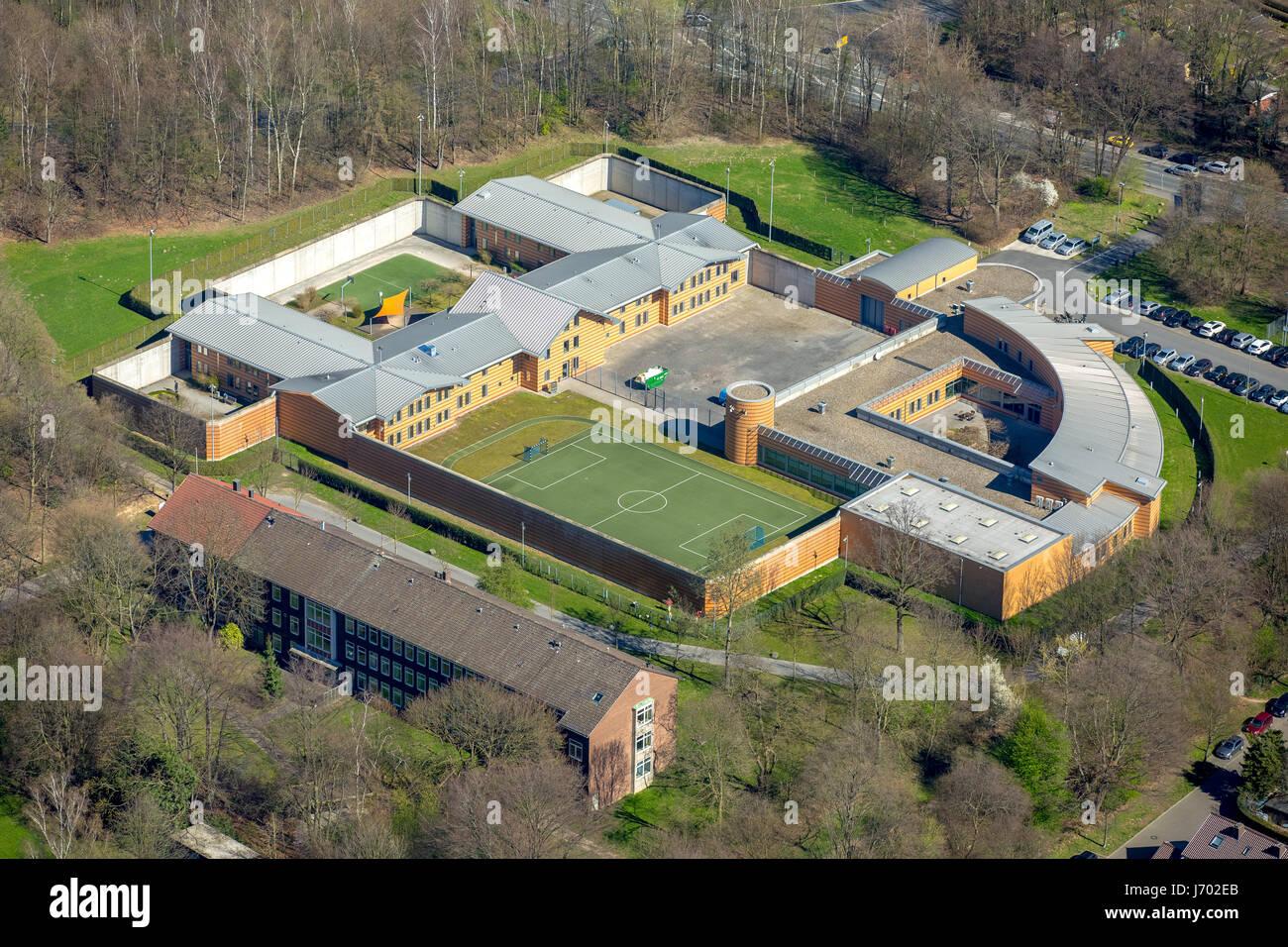 LWL-Klinik Dortmund Psychiatrie - Psychotherapie - psychosomatische Medizin Rettungswagen, Forensik, Dortmund, Ruhrgebiet, Stockbild