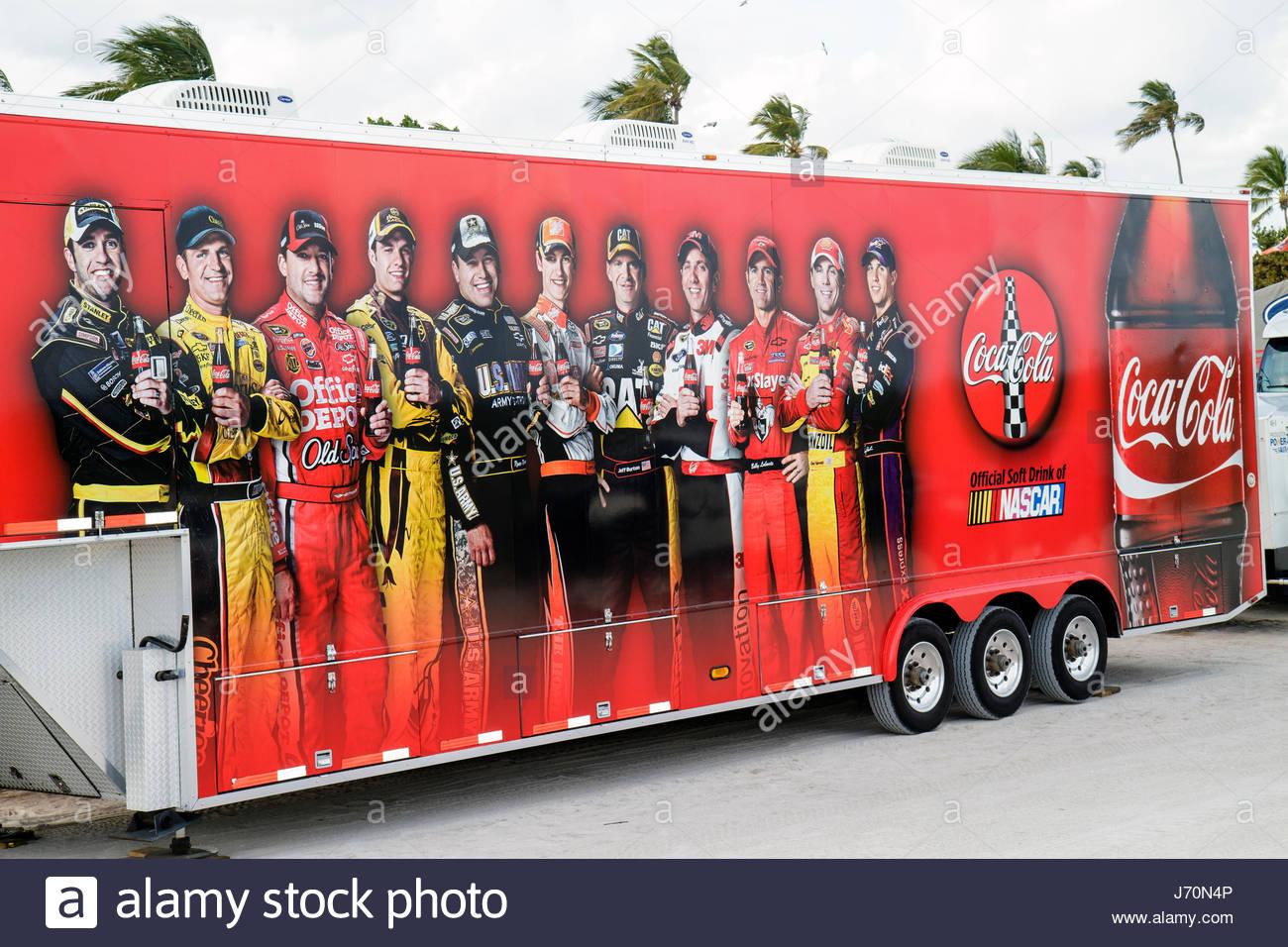 Miami Beach Florida Lummus Park Coca-Cola Brennstoffe NASCAR Championship Drive Aussteller Förderung Anhänger Stockbild