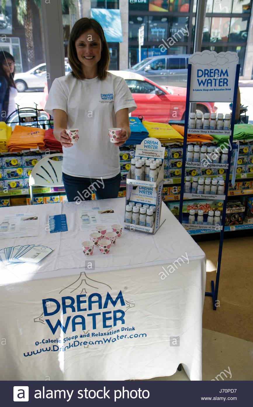 Miami Beach Florida Walgreens Apotheke Drogerie-kostenlose Probe-Produkt-promotion Stockbild