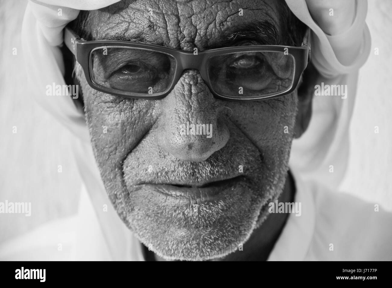 älterer mann sucht junge frau eros dresden