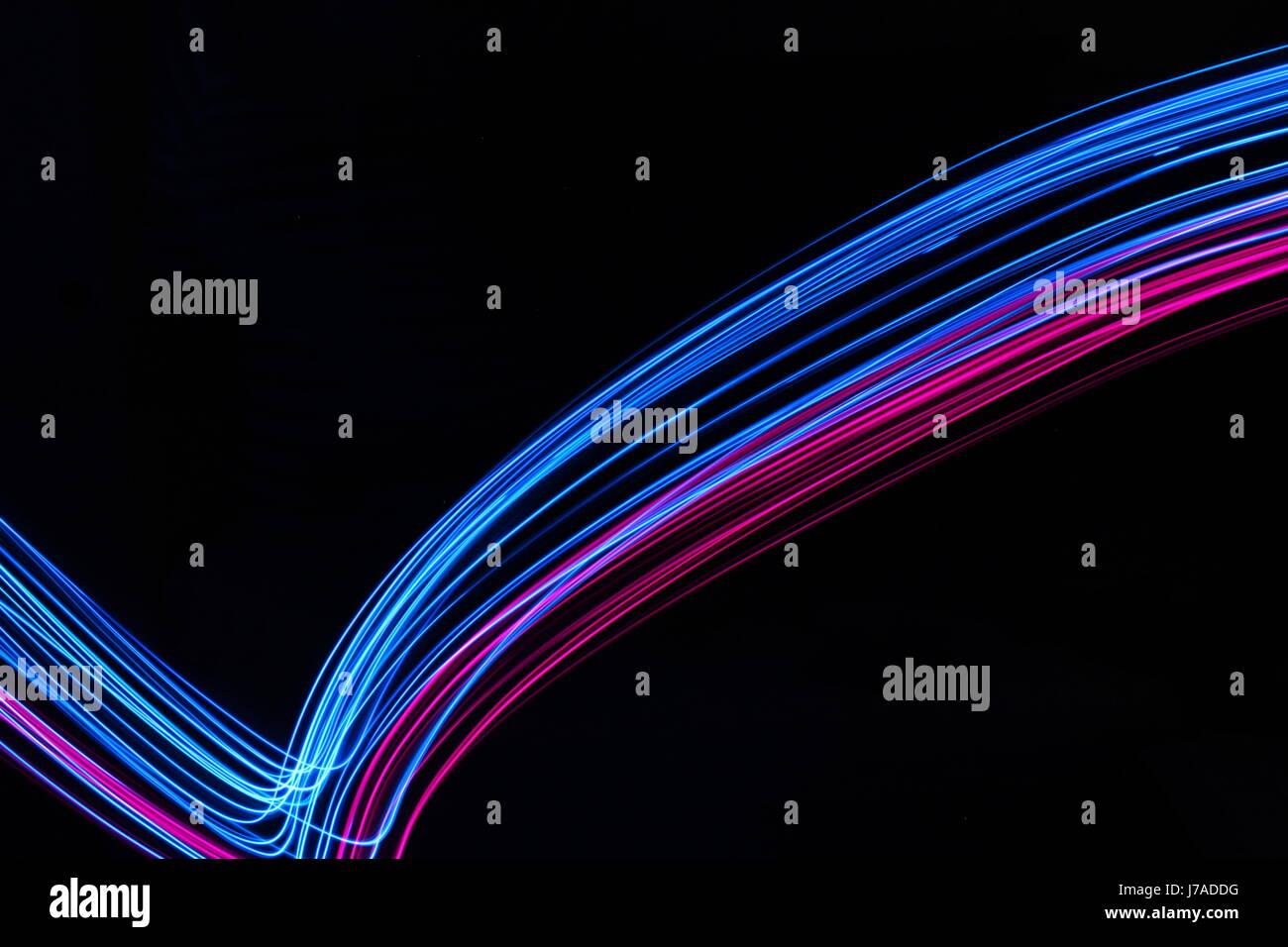 Blaue und rosa Licht-Malerei-Fotografie - verwirbelt und Schleifen ...
