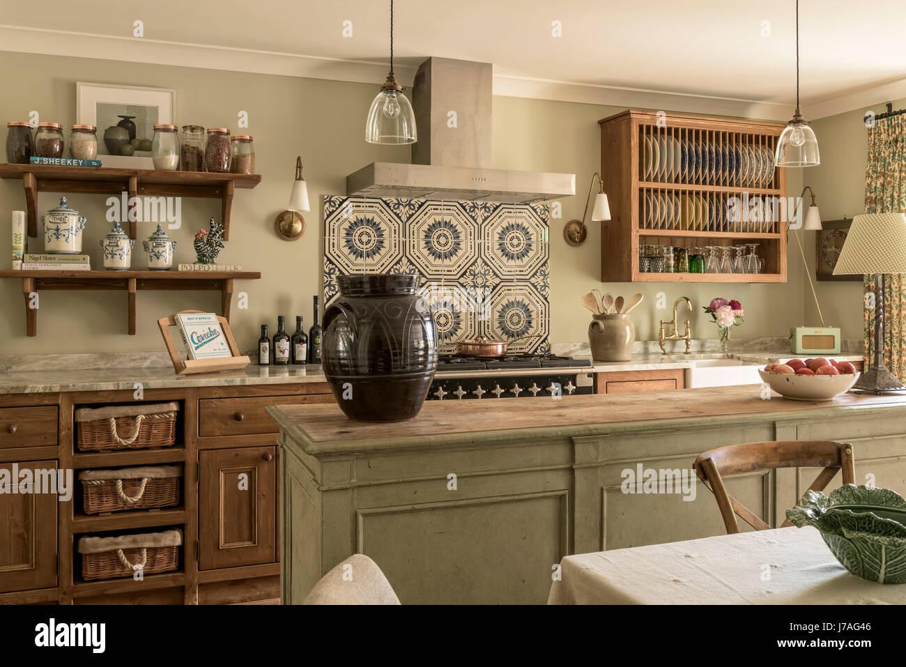 Gemütliche Küche alten minton fliesen oben küchenherd in elegante und gemütliche