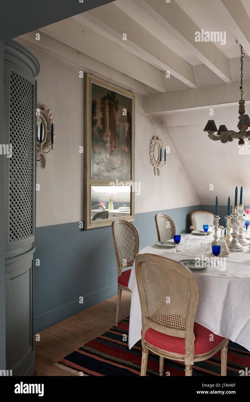 Silber Leuchter am Esstisch mit Eckschrank mit aus dem 18 ...