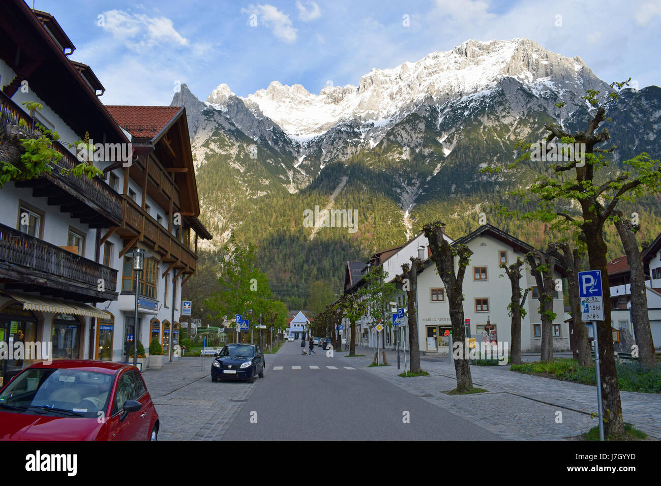 mittenwald karwendel mountains stockfotos mittenwald karwendel mountains bilder alamy. Black Bedroom Furniture Sets. Home Design Ideas
