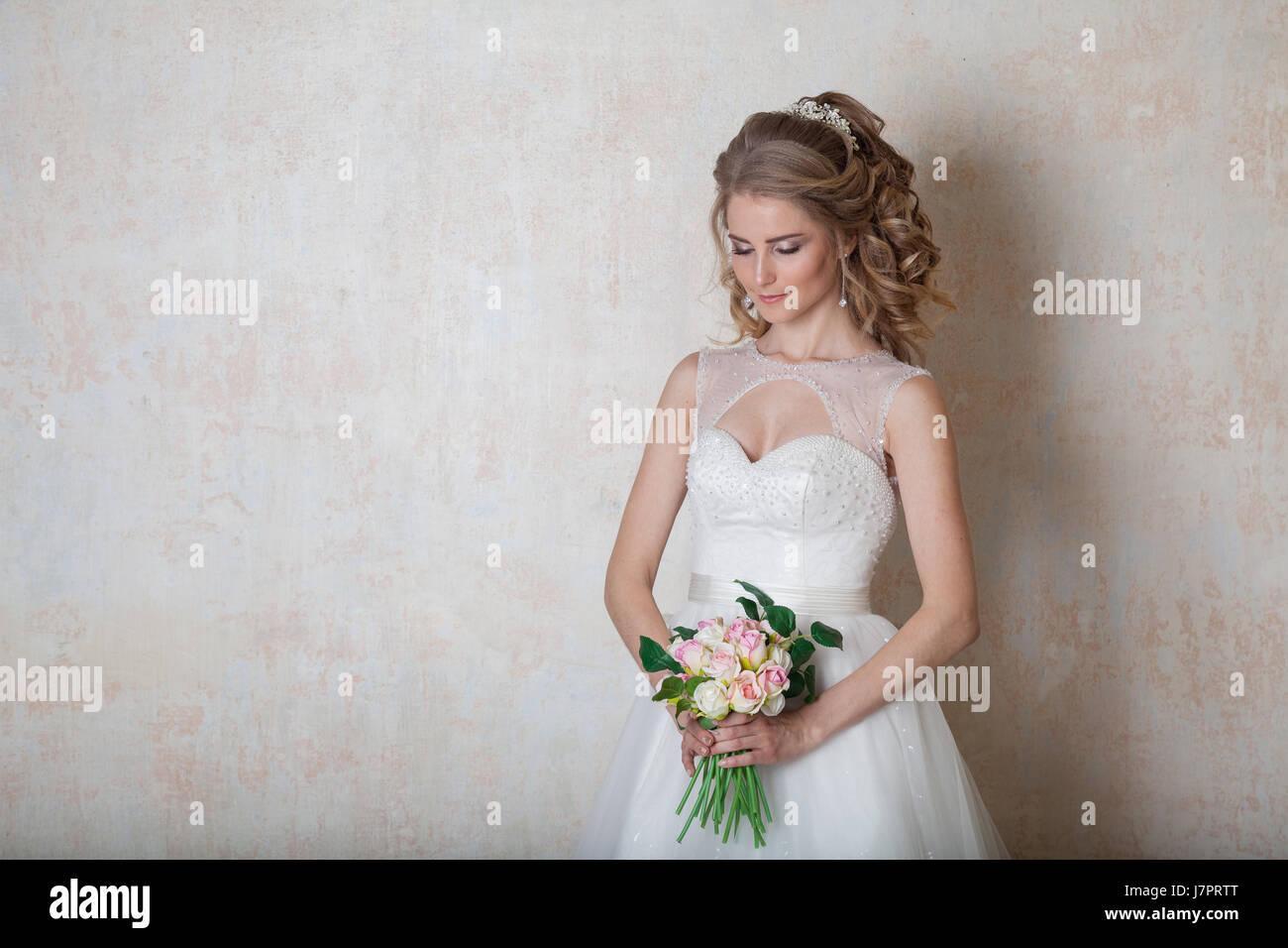 Großzügig Wie Viel Sind Pronovias Hochzeit Kittel Bilder - Hochzeit ...