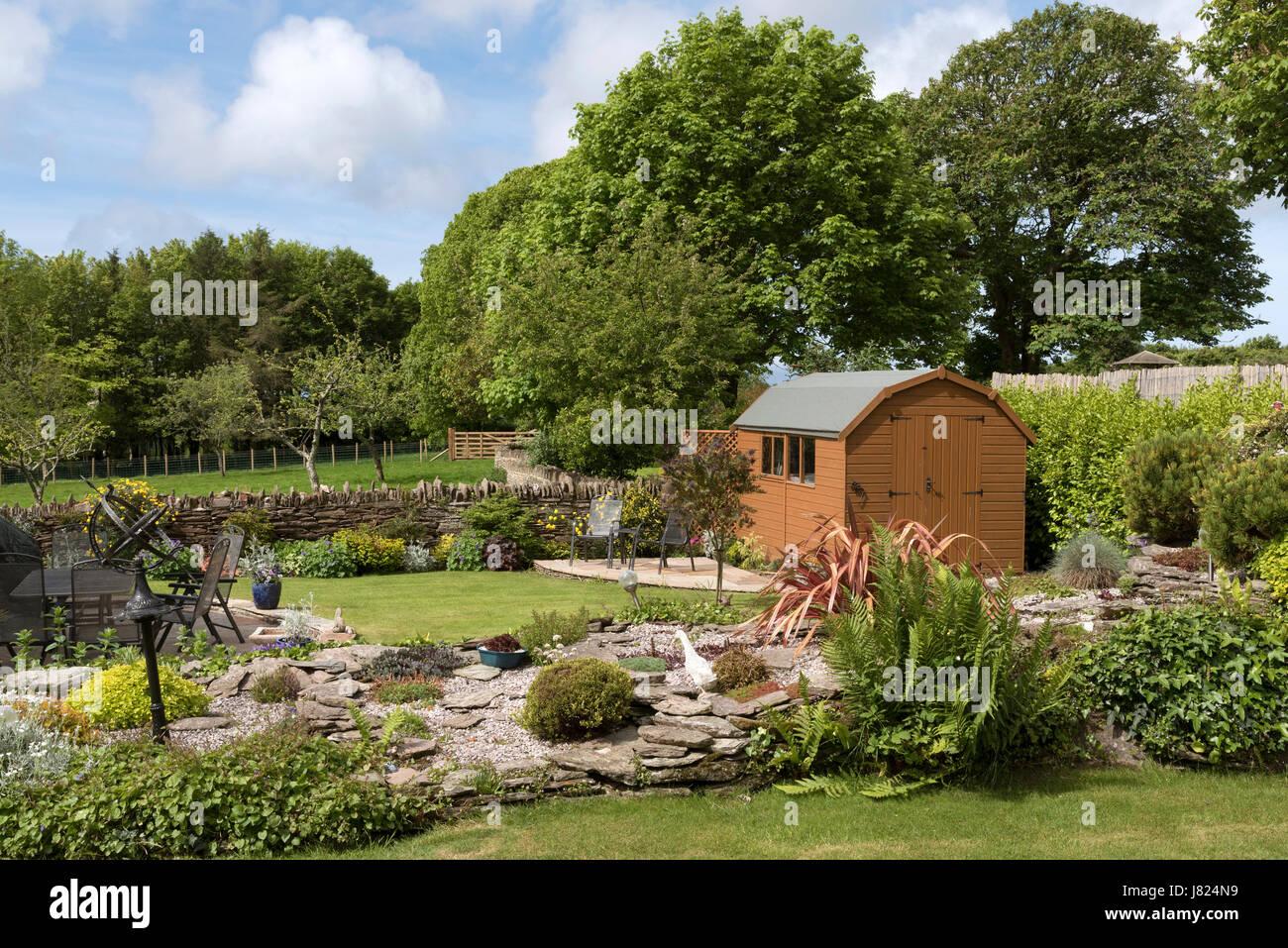 Eine Scheune holländischen Stil Gartenhaus mit Terrasse in ...