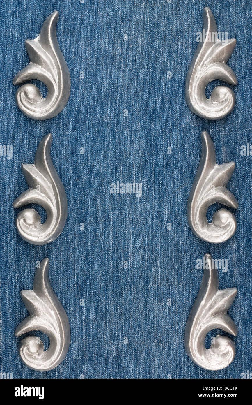 Luxus-Rahmen hergestellt aus Silber Stuck Putz liegend auf Denim ...