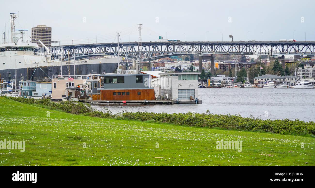 Affinität Marina am Lake Union in Seattle - SEATTLE / WASHINGTON - 11. April 2017 Stockbild