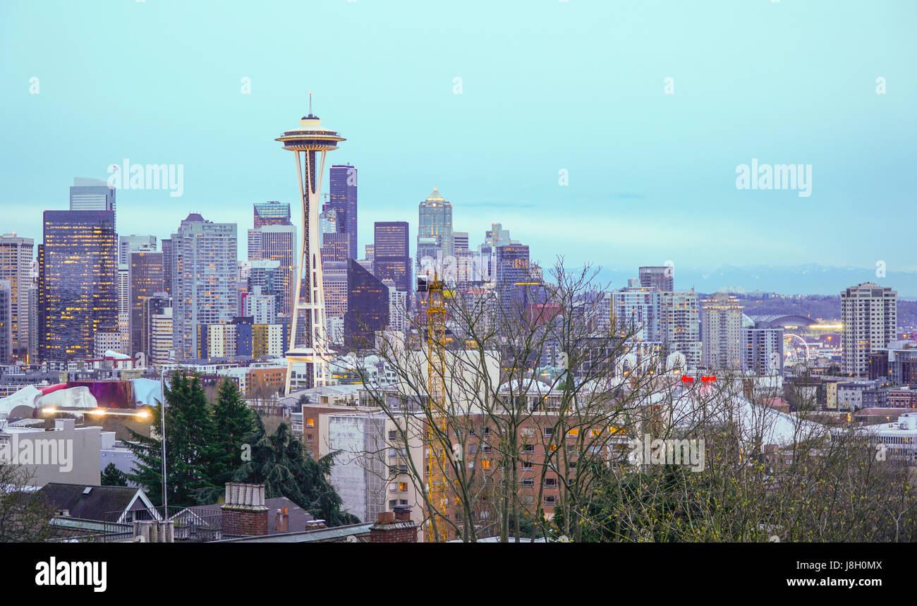 Die Skyline von Seattle - Luftbild von Kerry Park - SEATTLE / WASHINGTON - 11. April 2017 Stockbild
