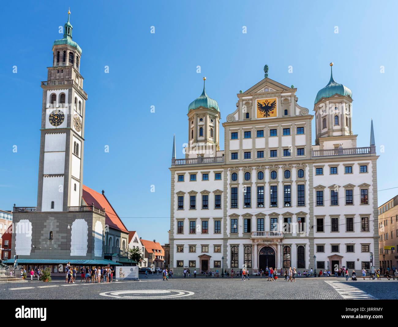 Das Rathaus (Rathaus) und Perlach Turm (Perlachturm), Rathausplatz, Augsburg, Bayern, Deutschland Stockbild