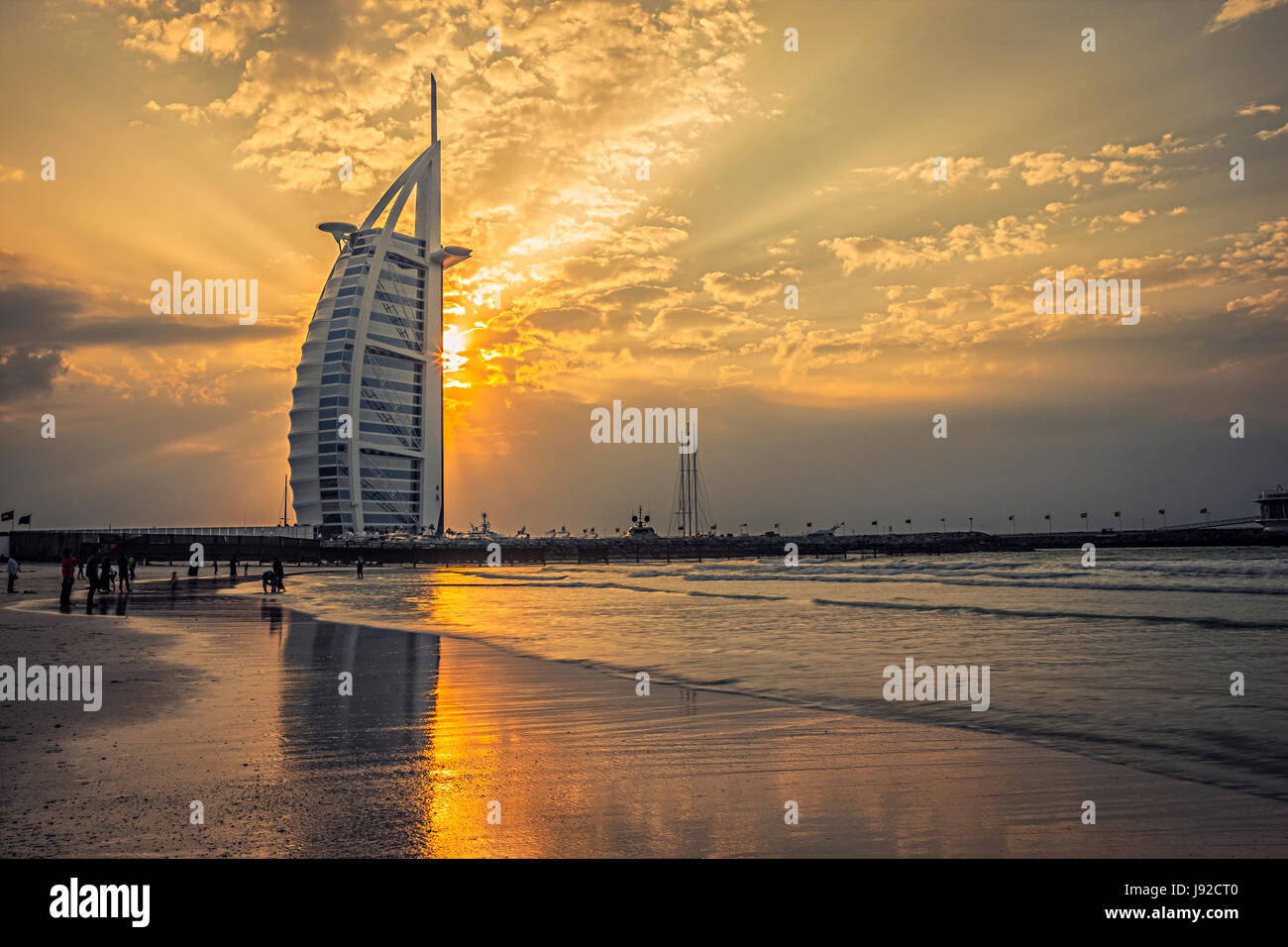 BUrj al Arab bei Sonnenuntergang Stockbild