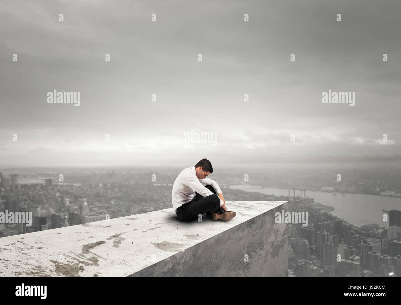 Allein verzweifelter Geschäftsmann. Einsamkeit und Versagen Konzept Stockbild