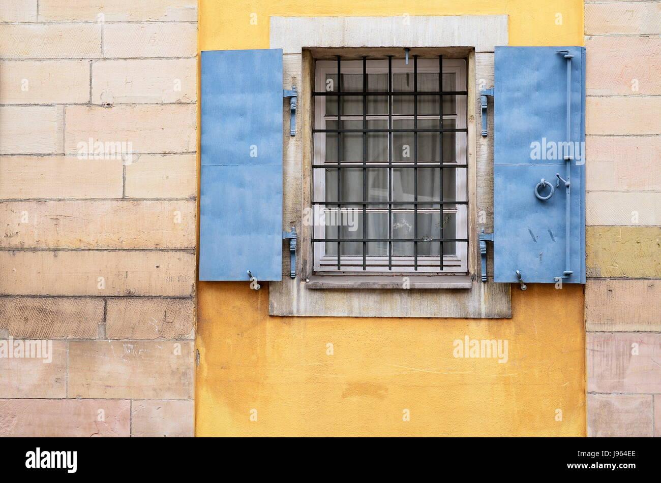neuer Lebensstil klar und unverwechselbar limitierte Anzahl Fensterläden, Rollladen, Metallgitter, gegrillt, Gitter ...