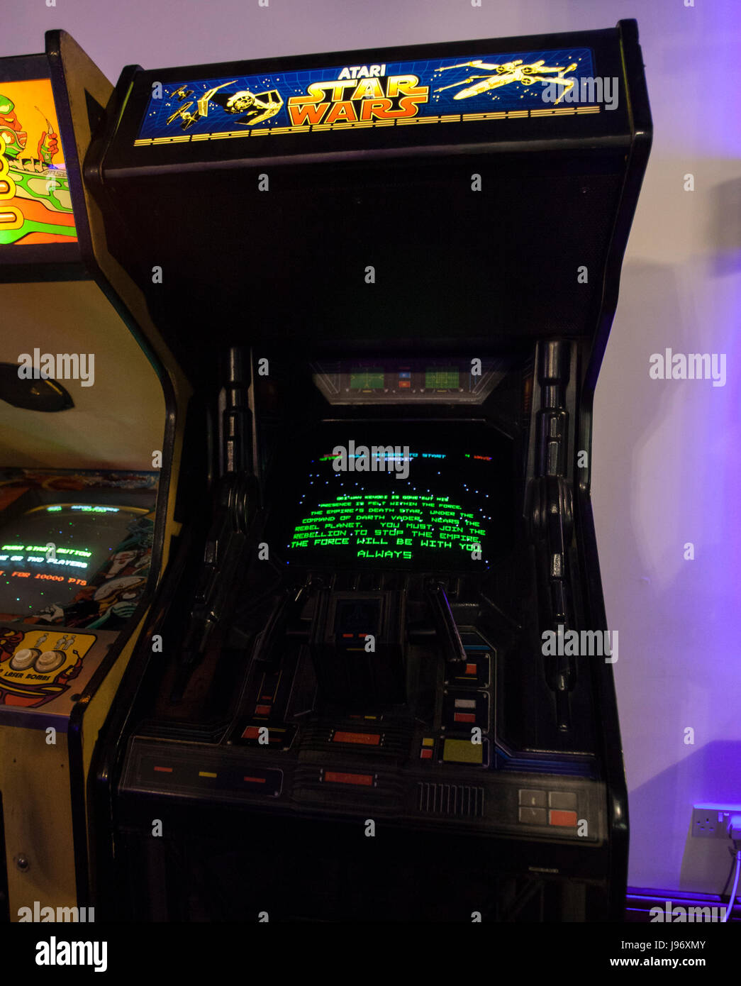 Moderne Spiele verschiedenen sammlung arkaden spiele werden renoviert und