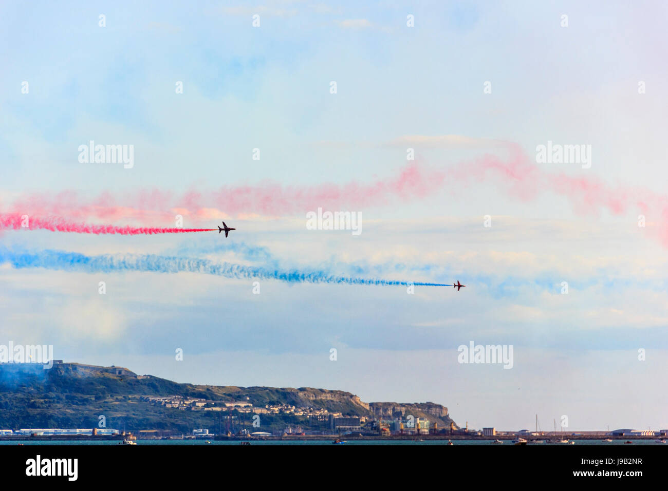 Kunstflug Display durch die roten Pfeile Royal Air Force Kunstflugstaffel in Weymouth, England, August 2014 Stockfoto
