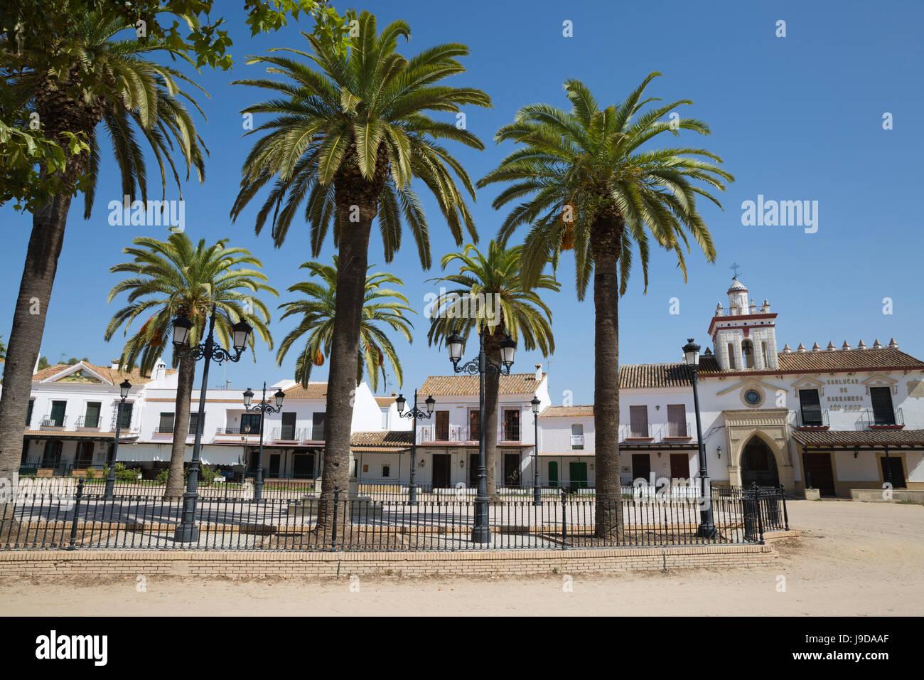 Sand Straßen und Brüderlichkeit Häuser, El Rocio, Provinz Huelva, Andalusien, Spanien, Europa Stockbild