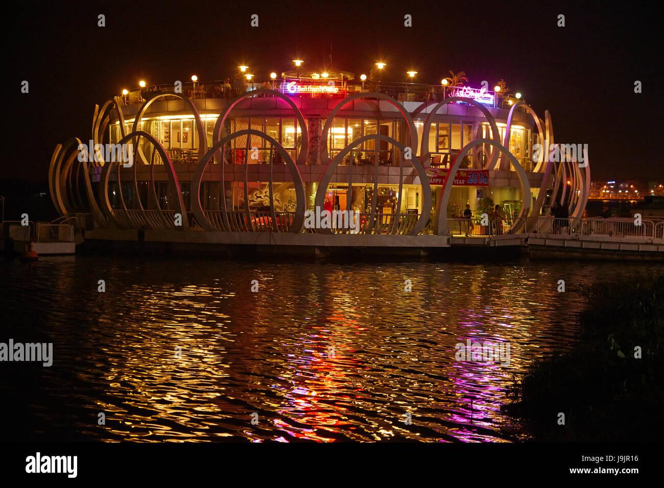 Song Huong schwimmende Restaurant, Parfüm-Fluss, Hue, North Central Coast, Vietnam Stockbild