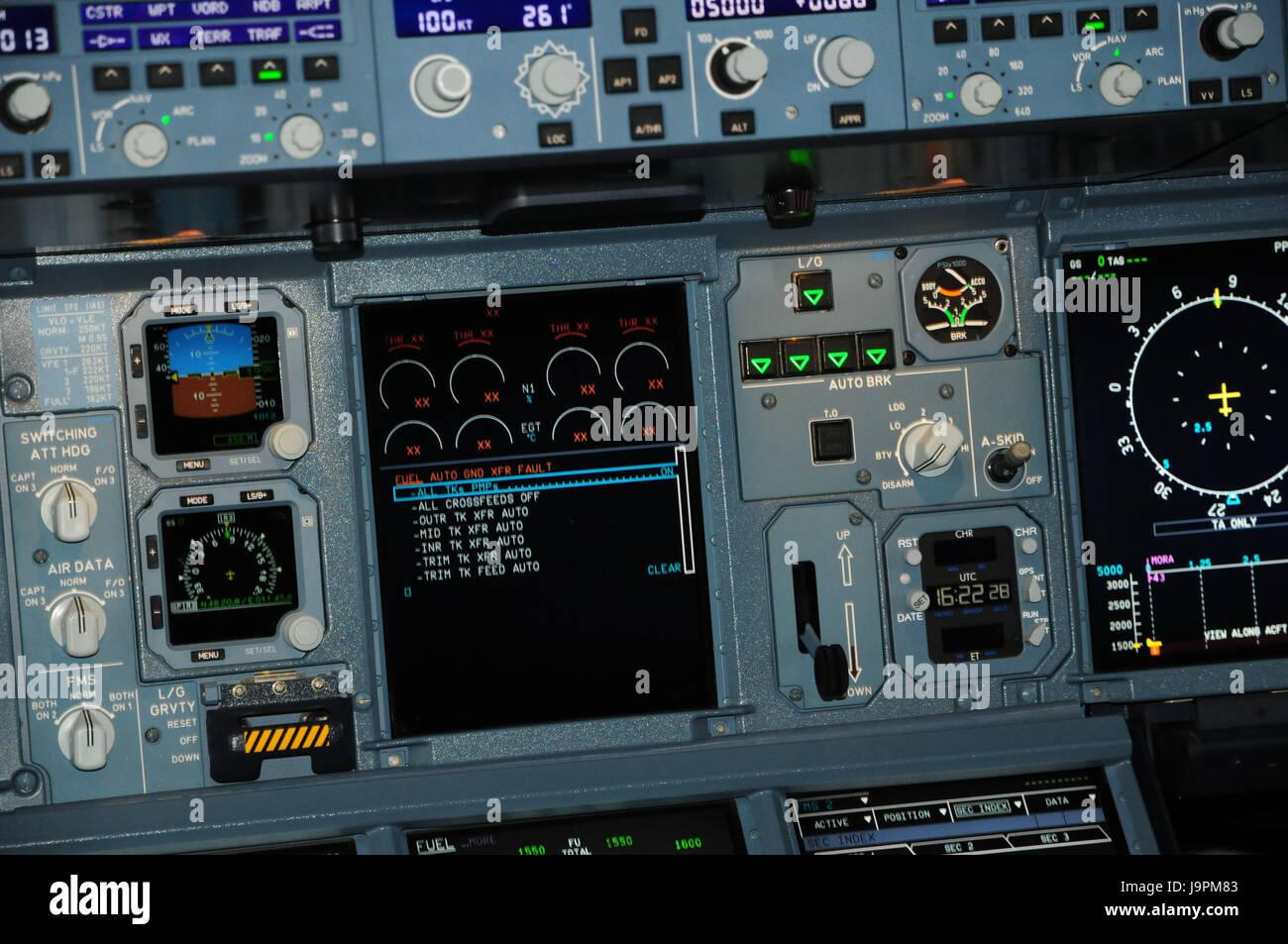 Flugzeug, Cockpit, Armaturen, Detail, Passagierflugzeug, innen ...