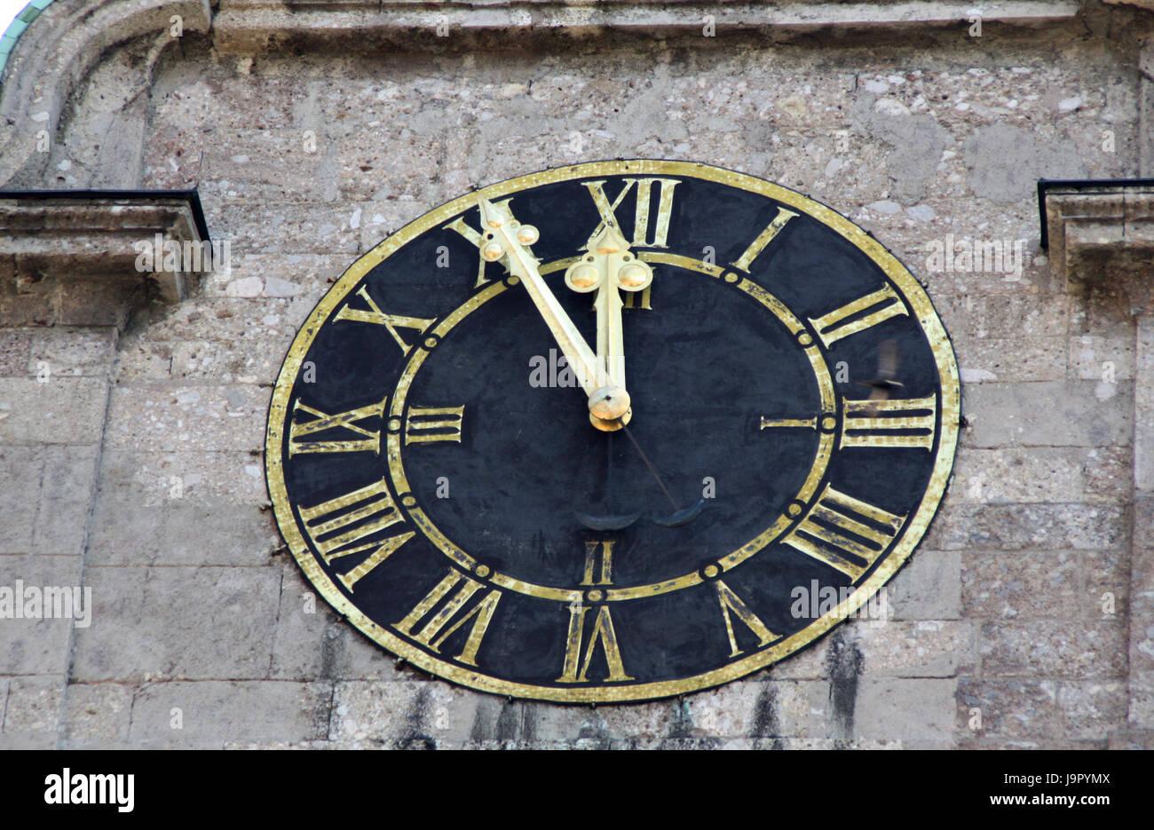 Uhr zeit uhrwerk wanduhr zeiger numerik zw lf optional f nf stockfoto bild 143719546 - Zeiger wanduhr ...
