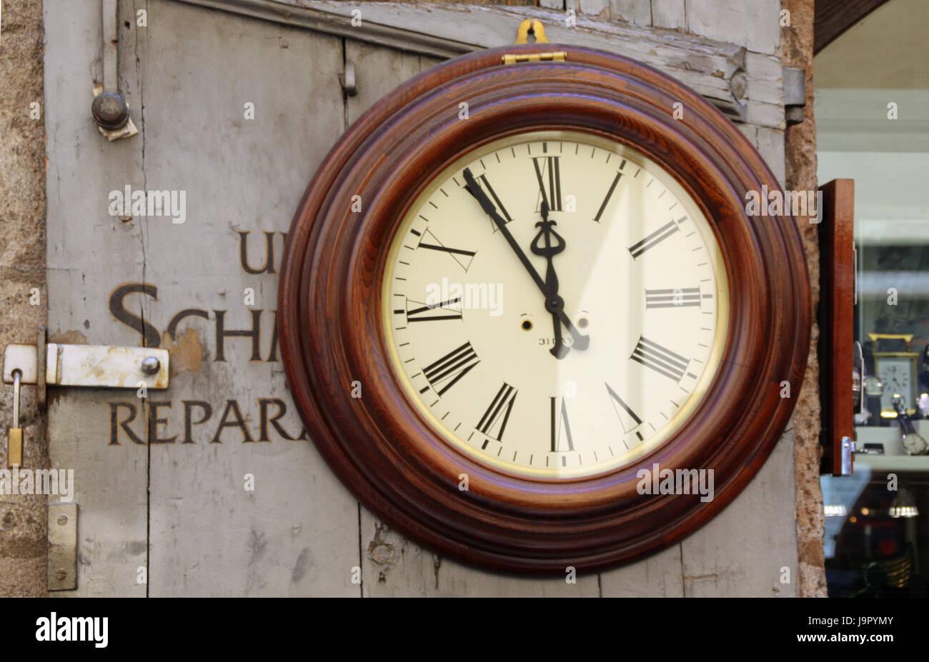 Uhr zeit uhrwerk wanduhr zeiger numerik zw lf optional f nf stockfoto bild 143719547 - Zeiger wanduhr ...