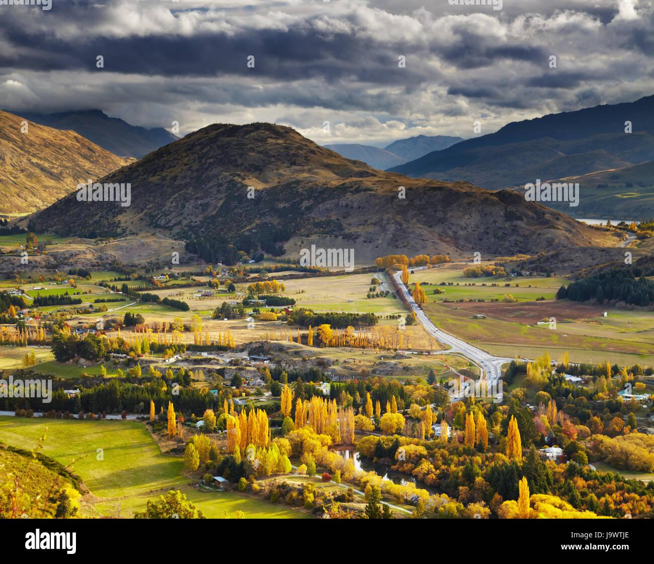 Herbstlandschaft, in der Nähe von Queenstown, Neuseeland Stockbild
