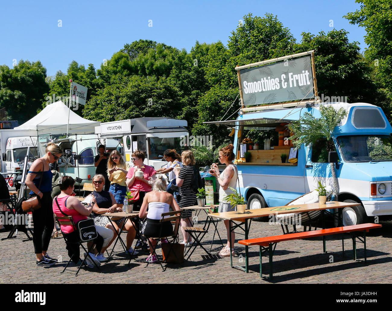De Rollende Keukens : Foodfestival de rollende keukens bij de westergasfabriek en het