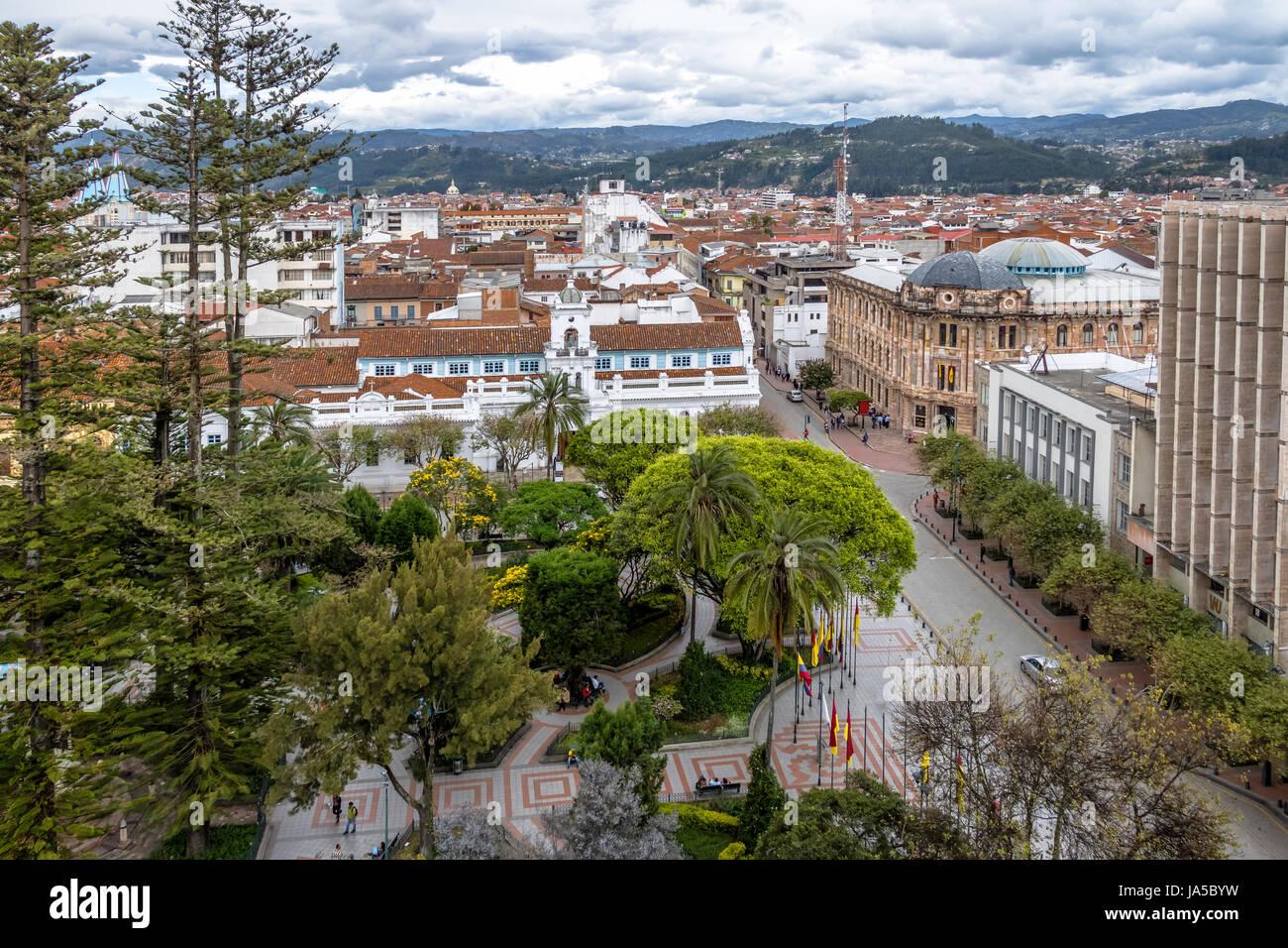 Luftaufnahme der Stadt Cuenca und Park Calderon - Cuenca, Ecuador Stockbild