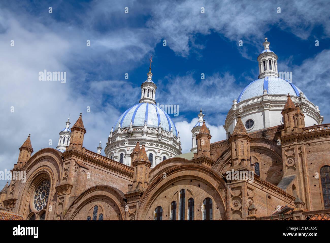 Blaue Kuppel der Inmaculada Concepción Kathedrale - Cuenca, Ecuador Stockbild