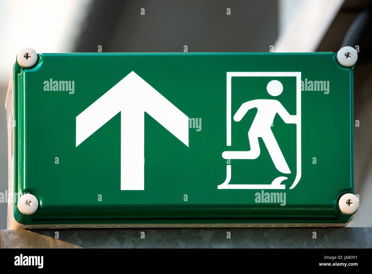 Ausfahrt Schild Leuchtkasten Stockfoto Bild 144016069 Alamy