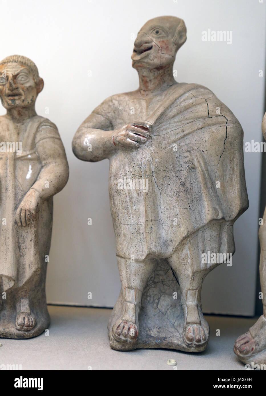Terrakotta-Figur der Komiker. Etruskische. 2. Jh. BC. Canino, Italien. Schauspieler tragen Maske Parasit. British Stockbild