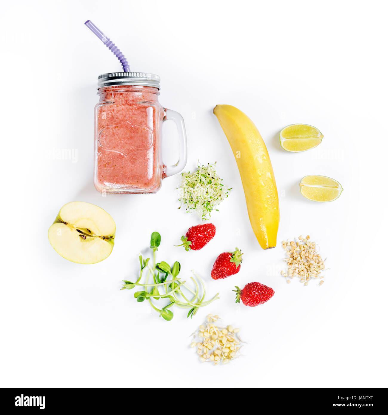 Detox reinigen trinken, Obst und Beeren-Smoothie Zutaten. Natürliche ...