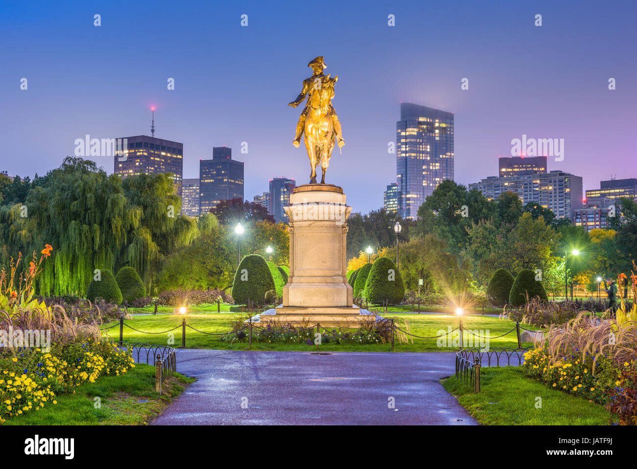 Skyline von Boston, Massachusetts, USA bei den öffentlichen Garten. Stockbild