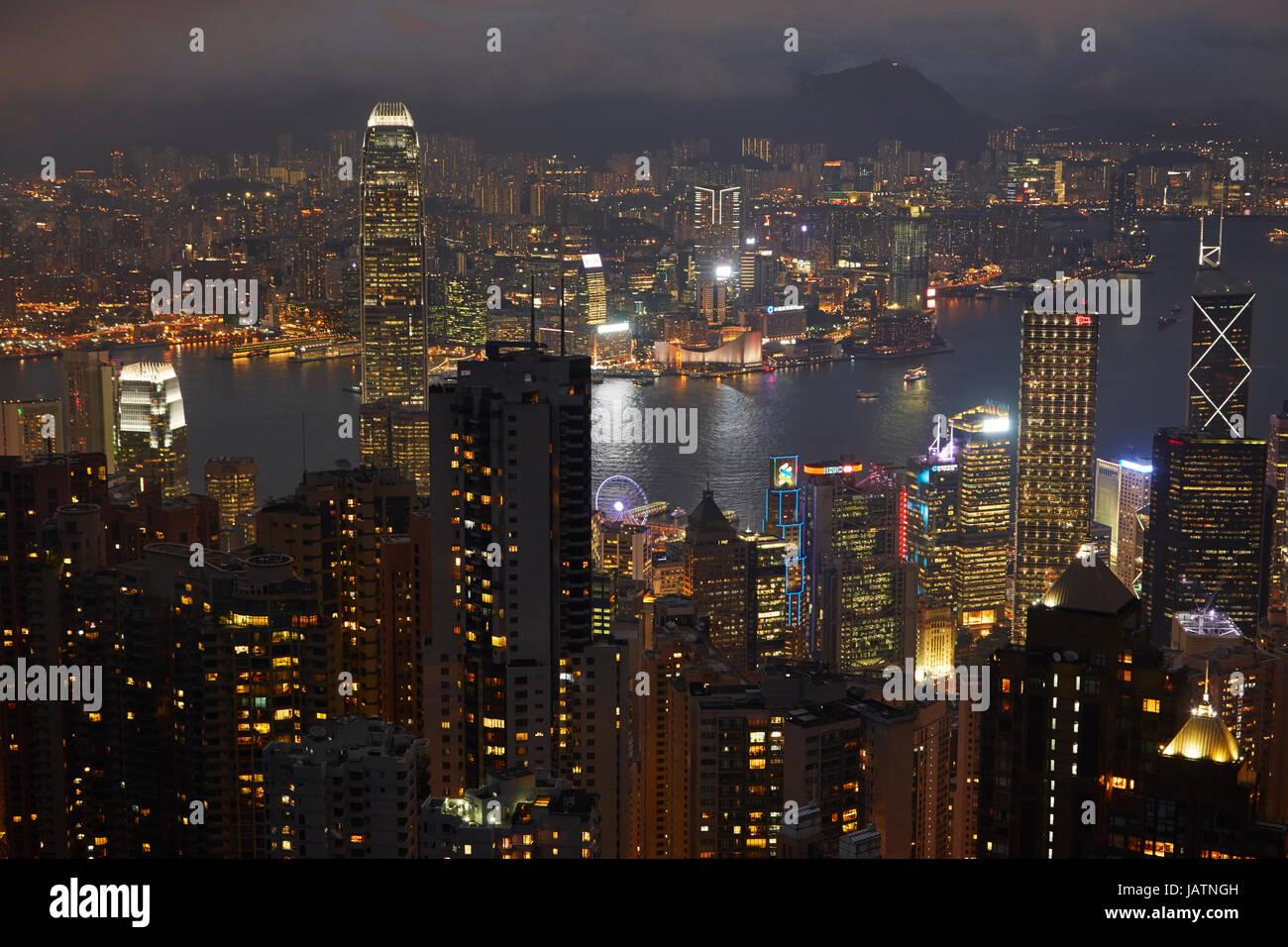 Blick auf Kowloon, Victoria Harbour und zentral, vom Victoria Peak, Hong Kong Island, Hongkong, China Stockfoto