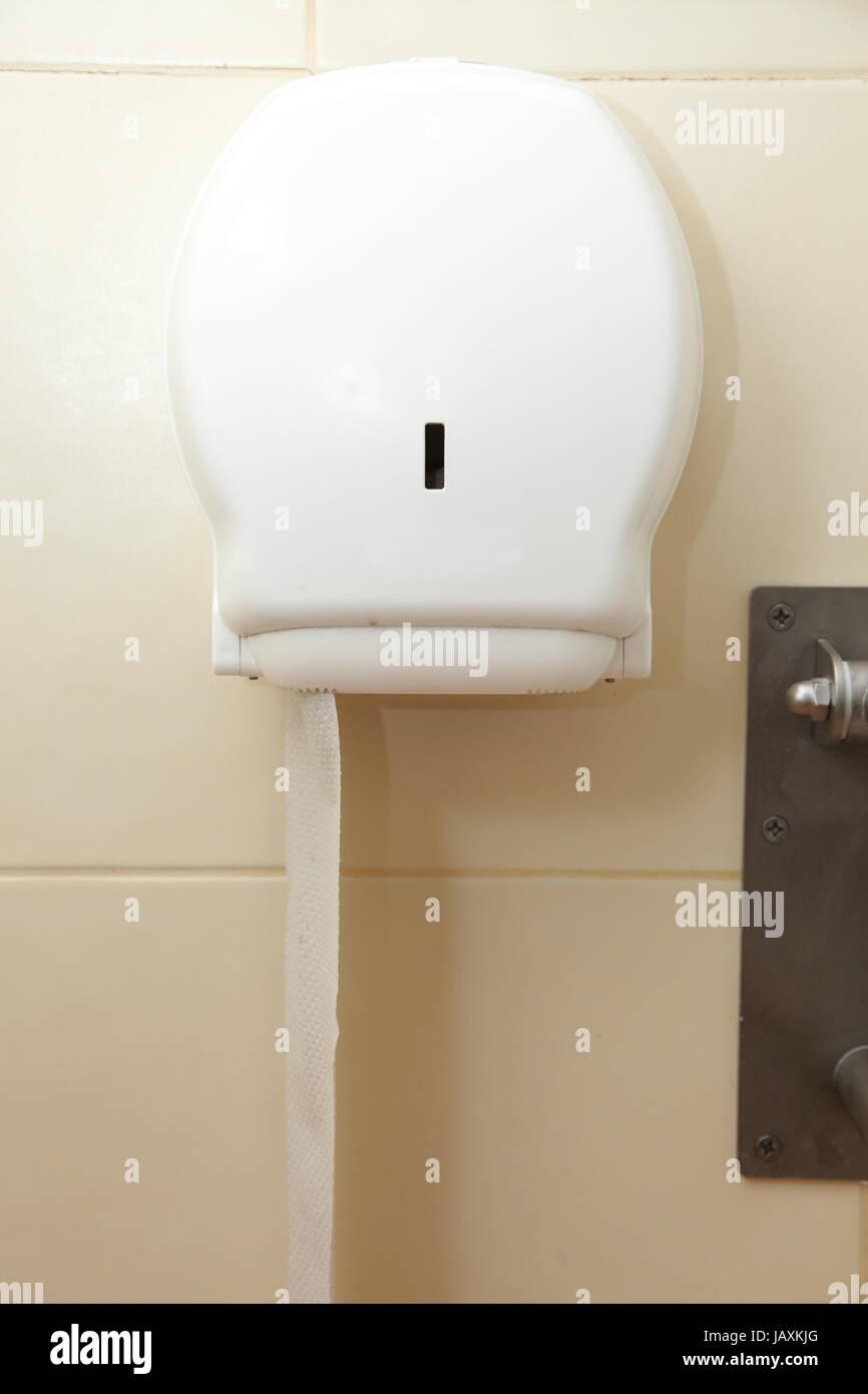 WC Papier In Box Auf Beige Fliesen