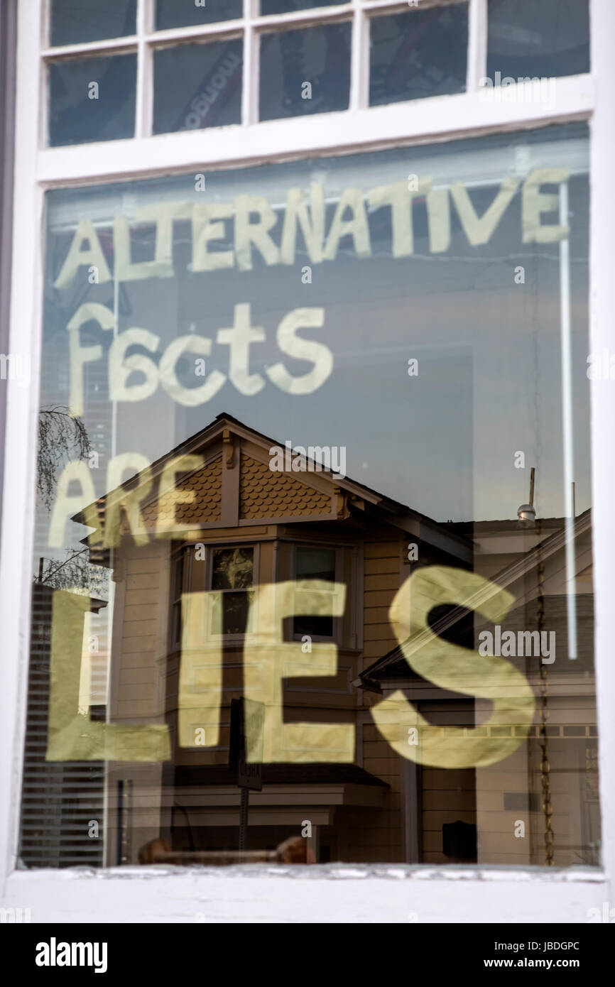 Alternative Fakten sind Lügen Fenster Zeichen Stockbild