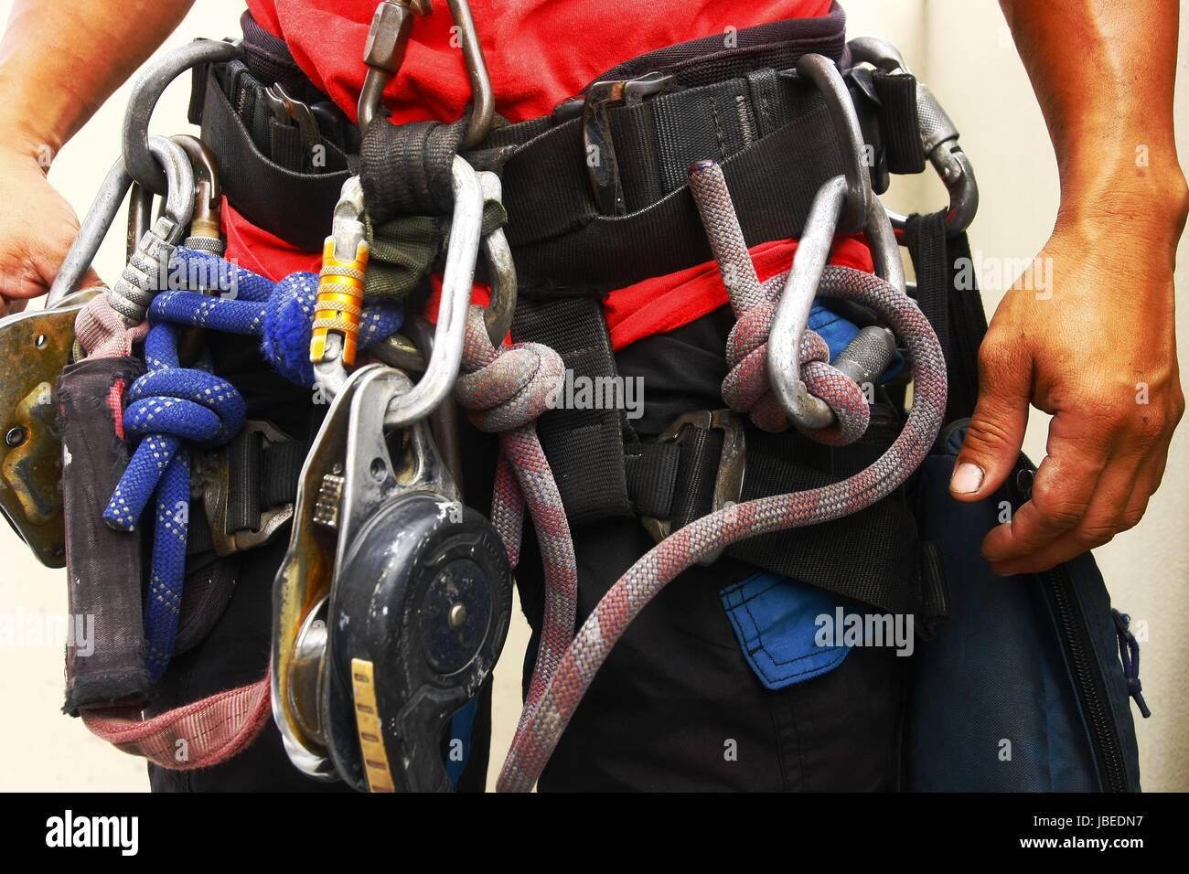 Klettergurt Taille : Foto von klettern ausrüstung und sicherheitsgurt um die taille