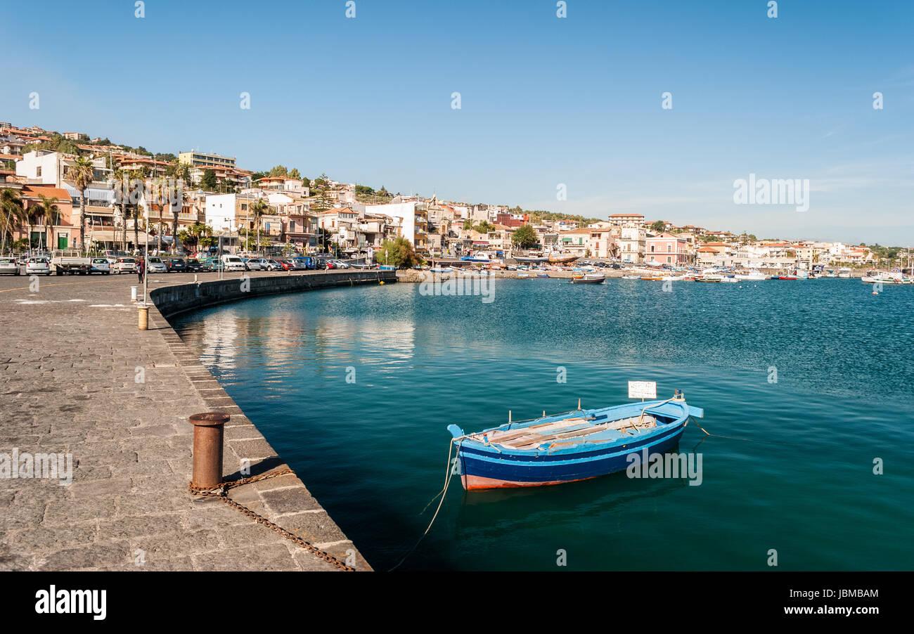 Die Marina Aci Trezza, kleinen Dorf in der Nähe von Catania Stockbild
