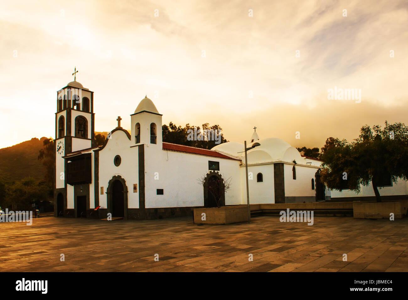 Kirche in Santiago del Teide Teneriffa Stockbild