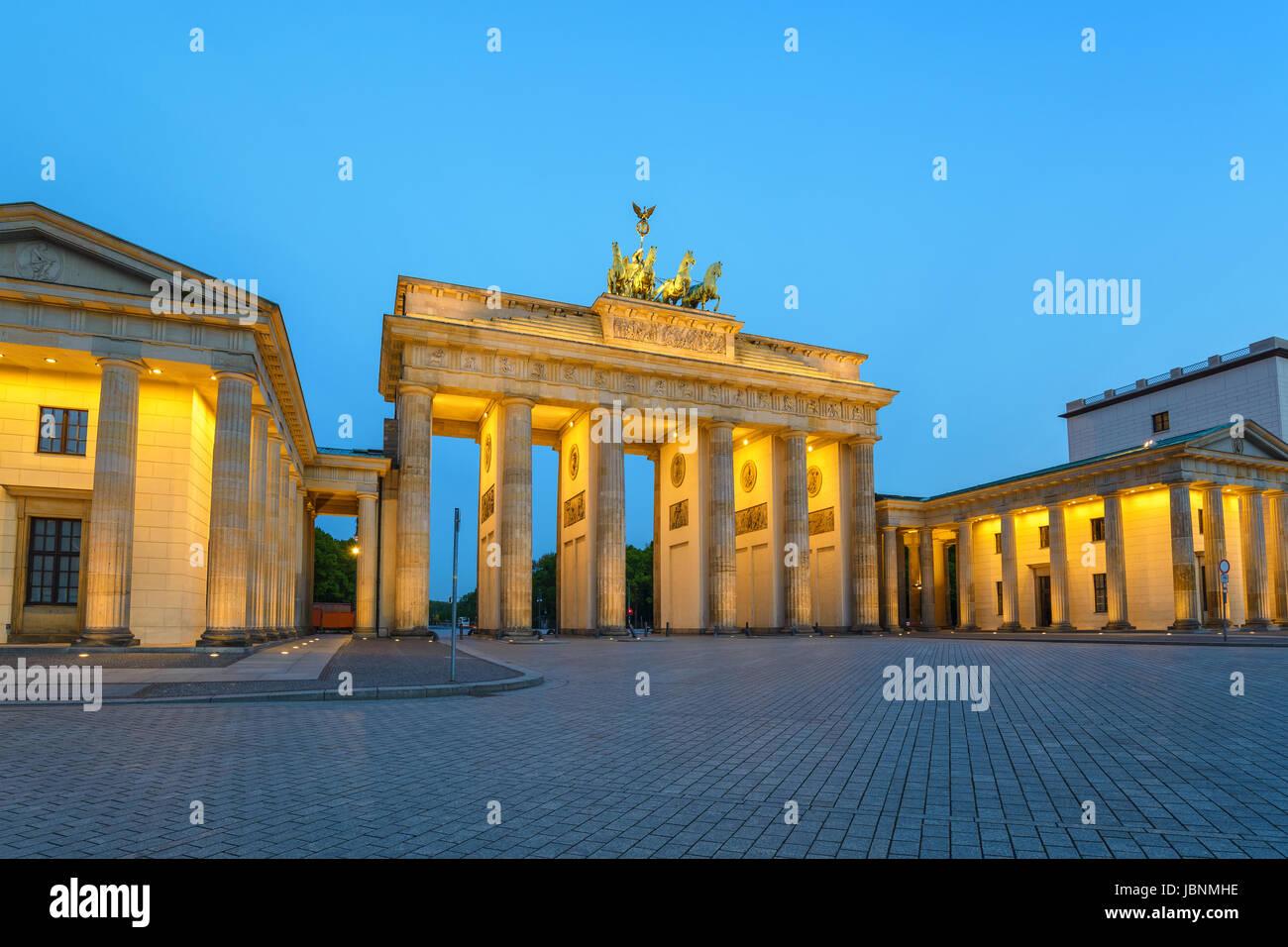 Brandenburger Tor (Brandenburger Tor) in der Nacht, Berlin, Deutschland Stockbild