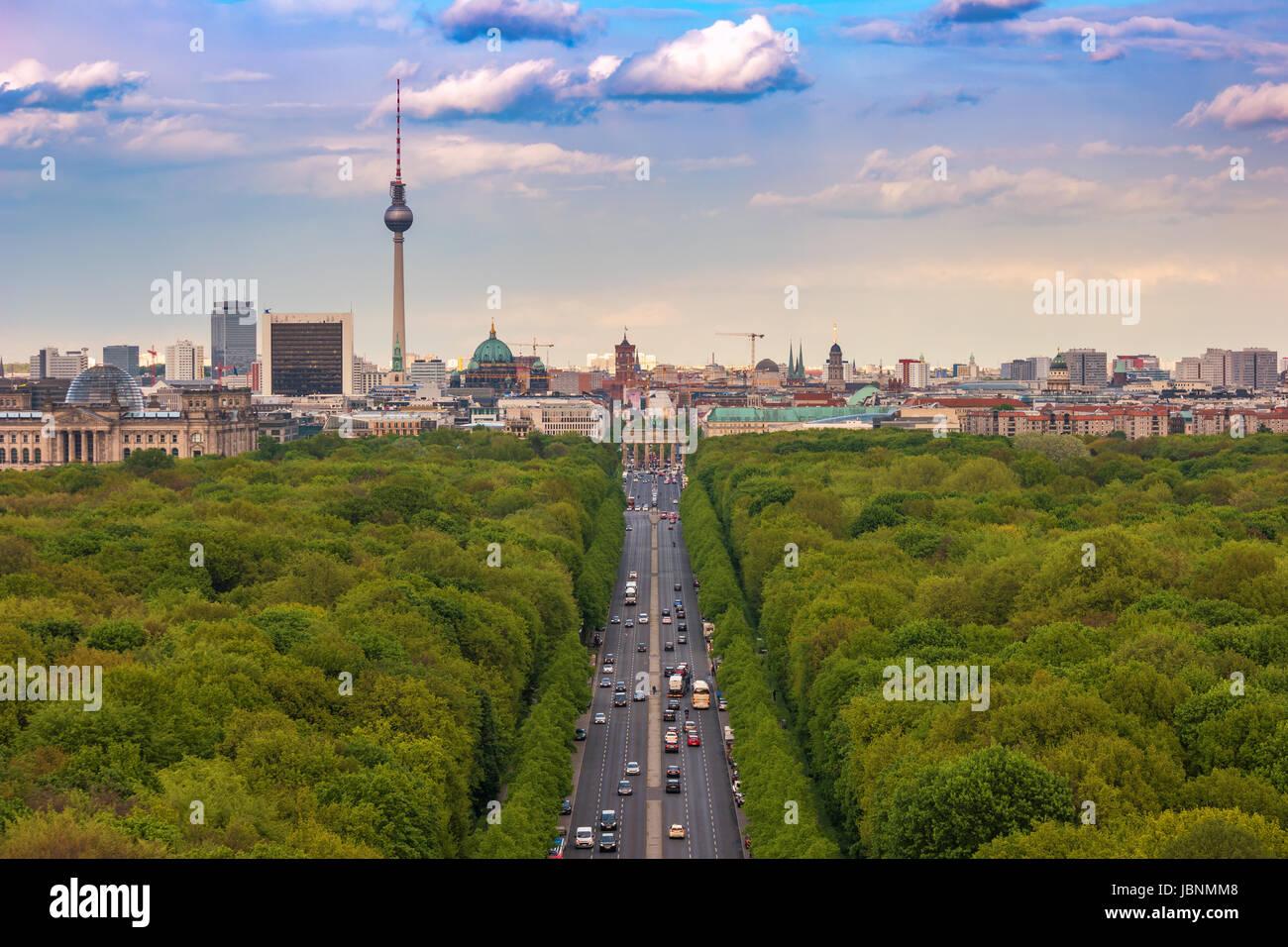 Berlin Skyline und Tiergarten, Berlin, Deutschland Stockbild