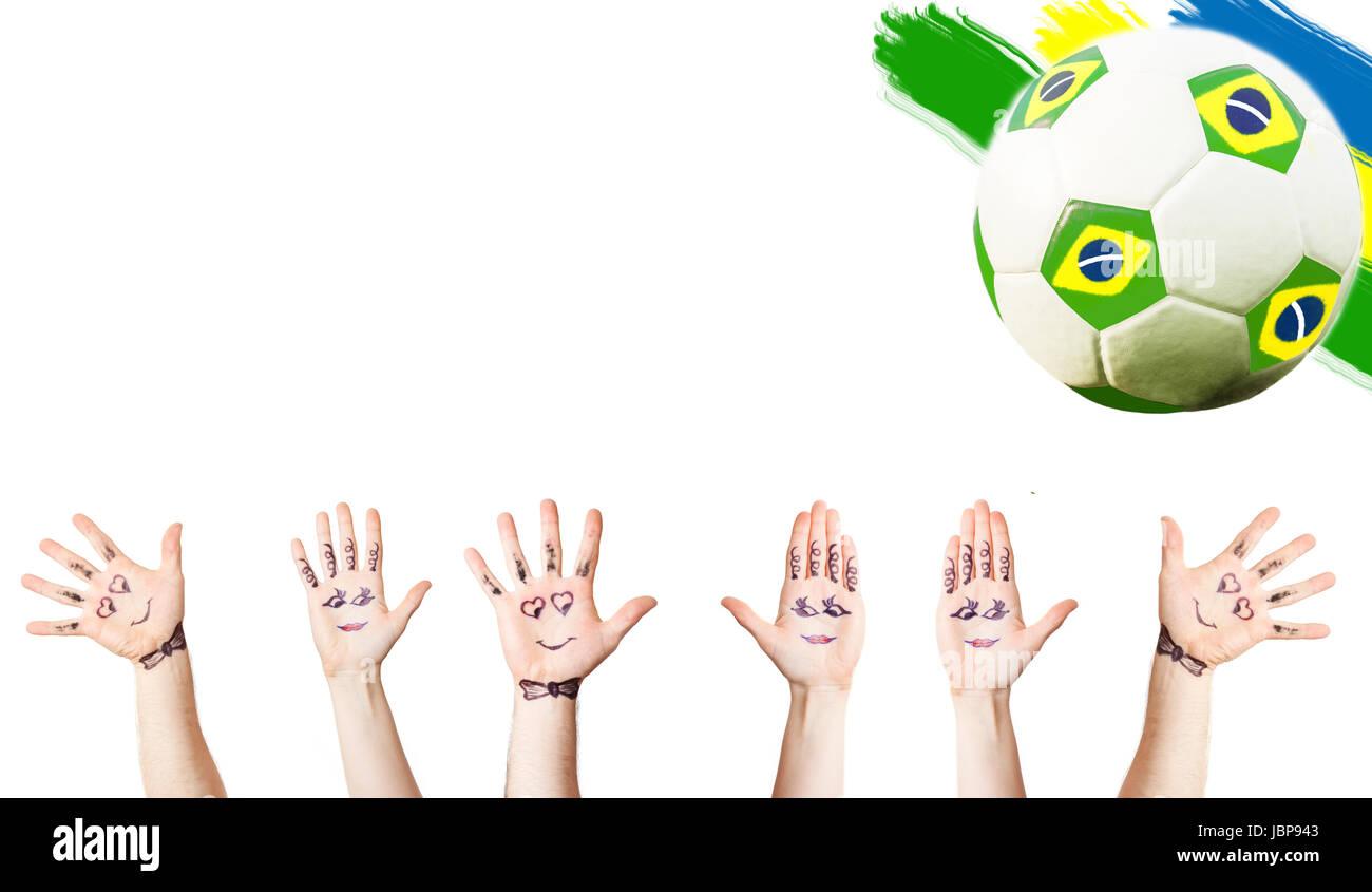 Jubelnden Hände, Fußball und die Farben der Flagge Brasilien ...