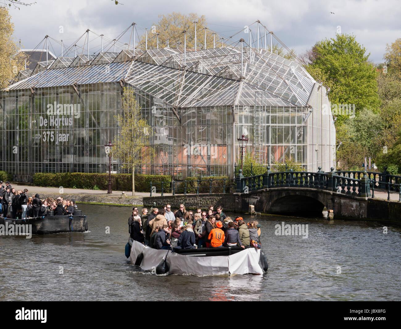 Botanischer Garten Und Boote Am Nieuwe Herengracht Auf Könige