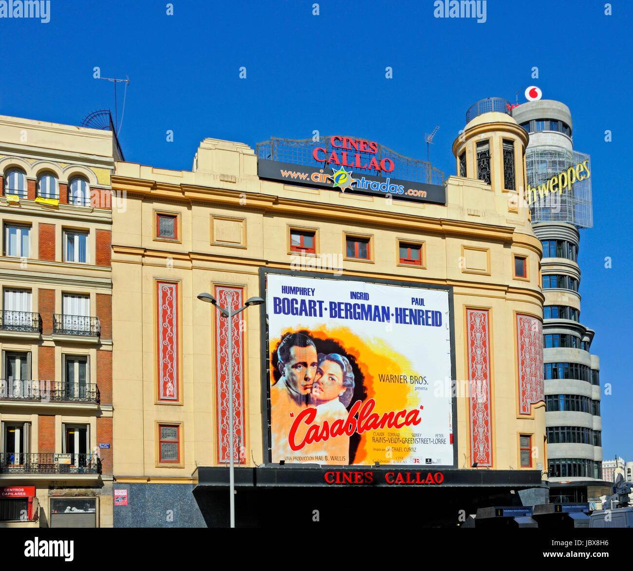 Madrid, Spanien. Gran Via / Plaza de Callao. Callao Kino (Casablanca) und Aas (Baurecht) Stockbild