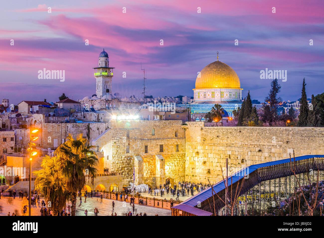 Skyline der Altstadt an der Klagemauer und der Tempelberg in Jerusalem, Israel. Stockbild