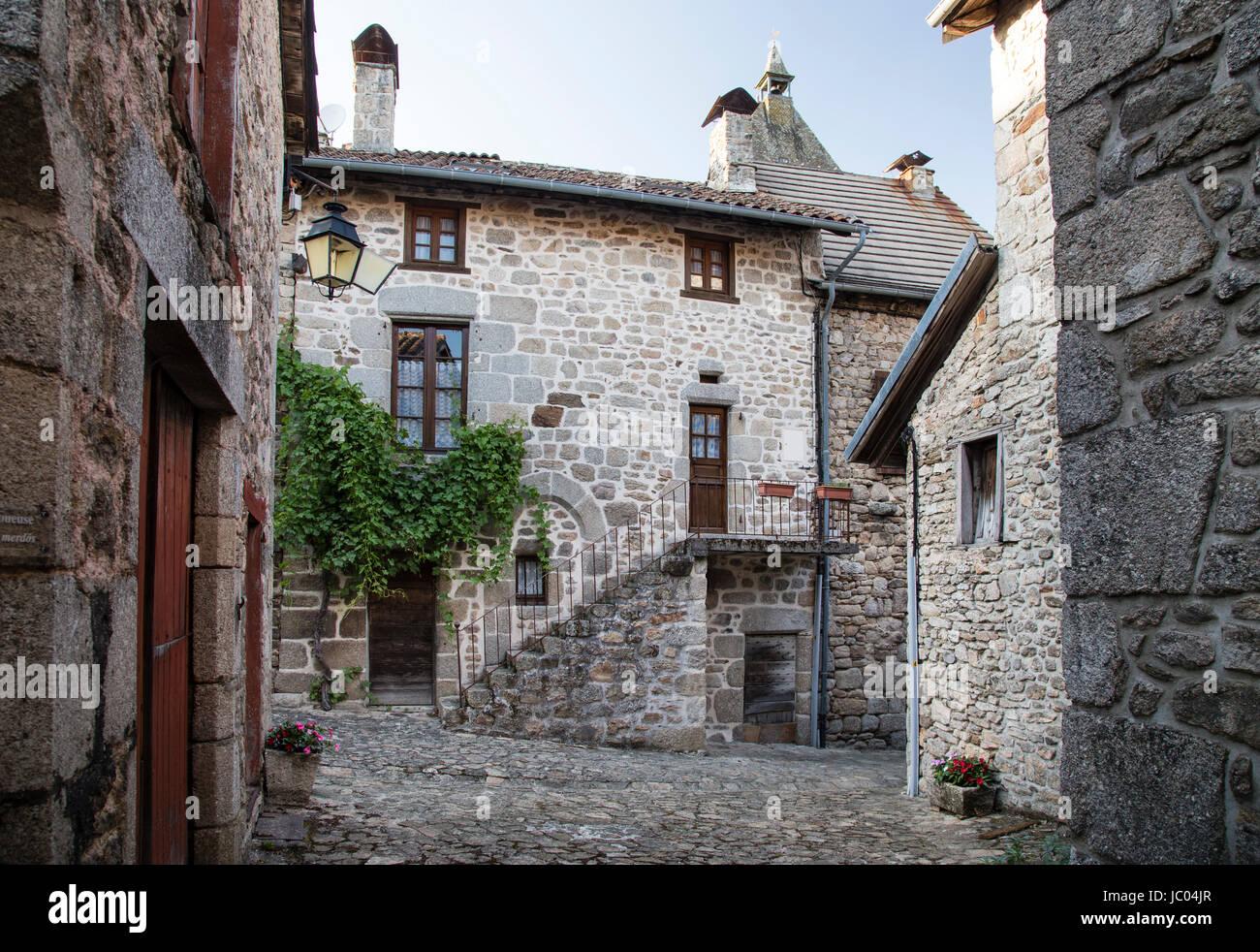 Frankreich, Cantal (15), Marcolès, Intérieur du Village Médiéval / / Frankreich, Cantal, Marcoles, Stockbild