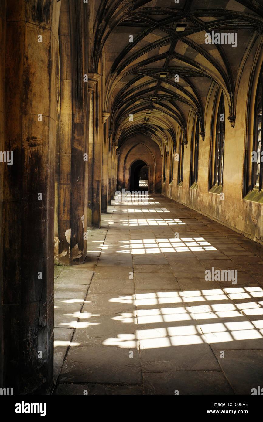 "St Johns College Korridor ""mittelalterlichen gotischen Korridor am St. Johns College der Universität Cambridge Stockbild"