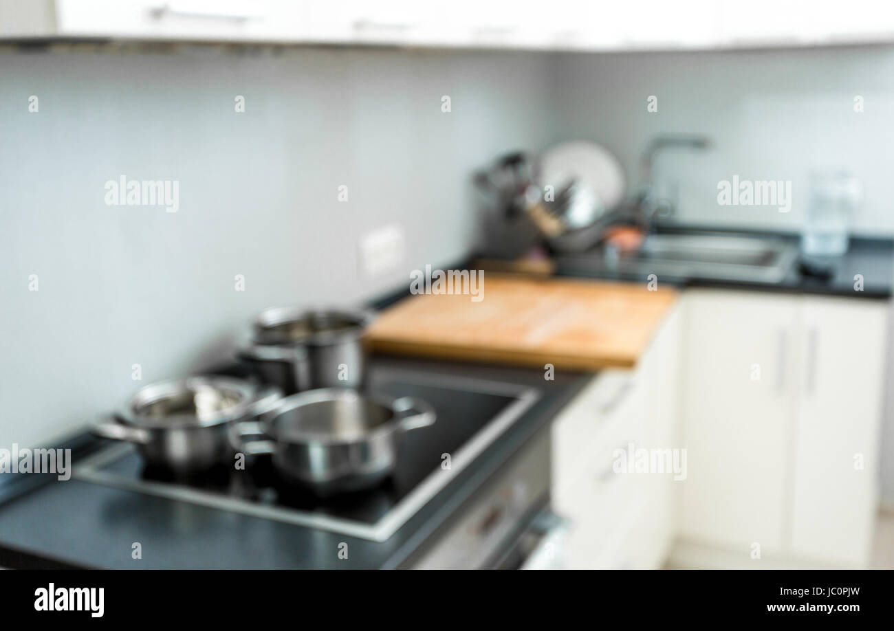 Unscharfen Hintergrund der modernen Küche zu Hause mit Elektro ...
